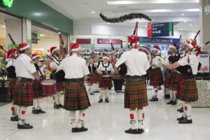Illawarra Pipe Band playing Woolworth's Dapto for Christmas 2017